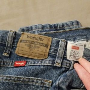 Wrangler Jeans - Wrangler Relaxed Fit Jeans Size 36x32